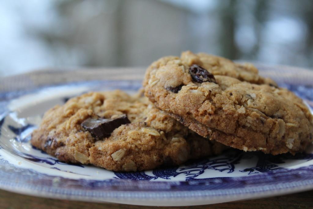 Gluten-Free Oatmeal Raisin Chocolate Chunk Cookies